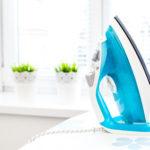 So pflegen und reinigen Sie Ihr Bügeleisen richtig
